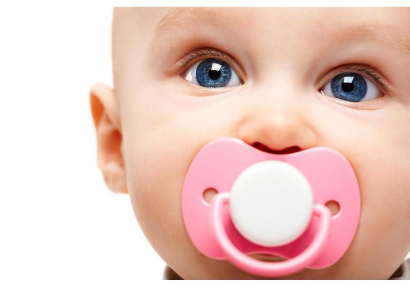 Чому малюк плаче та як його заспокоїти?